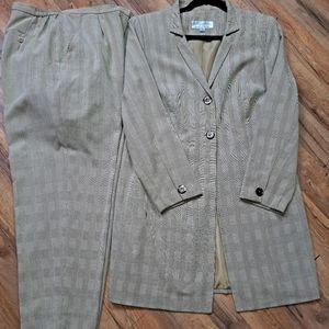 Larry Levine Suit Sz 14W